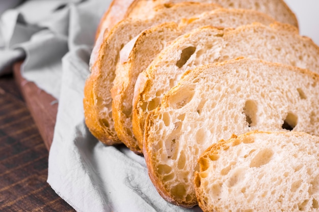 De délicieuses tranches de pain blanc