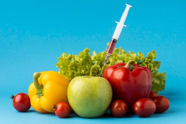 Délicieux arrangement d'aliments modifiés aux ogm