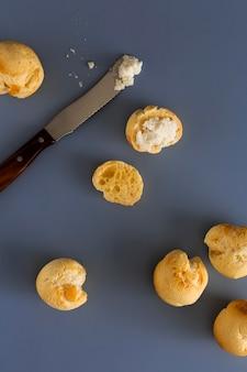 Délicieux arrangement de pain au fromage