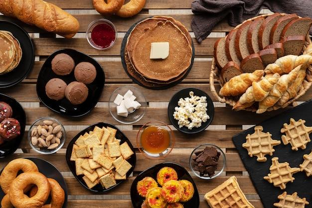 Délicieux assortiment d'aliments au-dessus de la vue