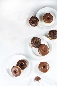 Délicieux beignets au chocolat frais