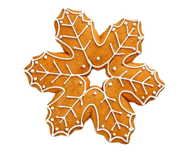 Délicieux biscuit de noël sur fond blanc