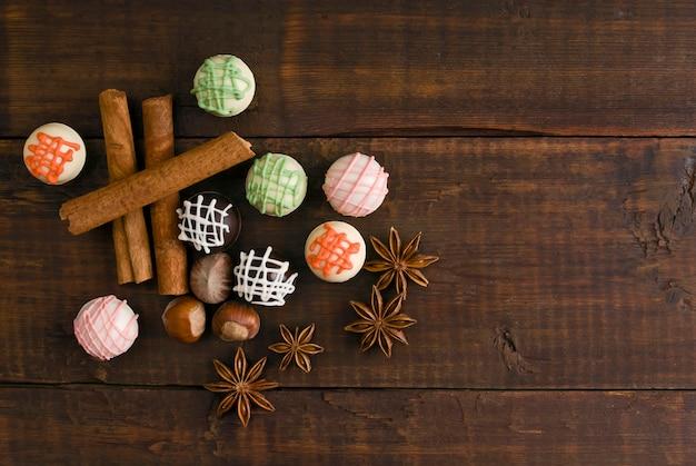 Délicieux chocolats et épices