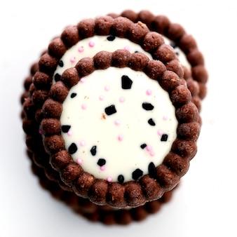 Délicieux cookies sur la table