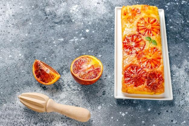 Délicieux dessert tarte tatin à l'orange sanguine.