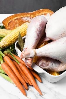 Délicieux dinde de thanksgiving à angle élevé