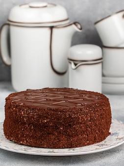 Un délicieux gâteau au chocolat fait maison