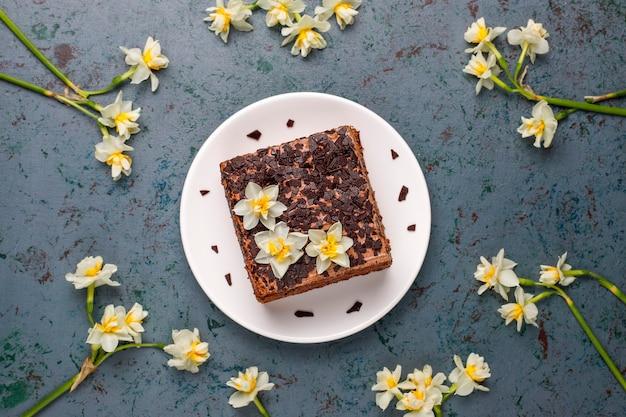Délicieux gâteaux aux truffes au chocolat faits maison avec du café