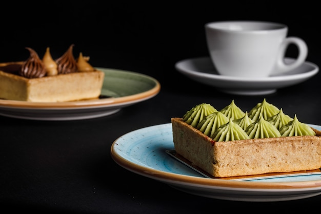 Délicieux gâteaux et thé