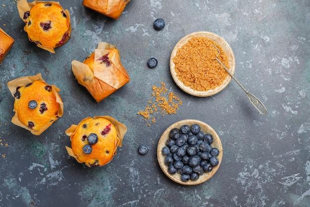 Délicieux muffins aux bleuets faits maison.