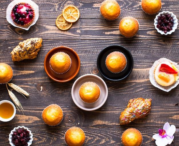 Délicieux muffins faits maison avec du yaourt,
