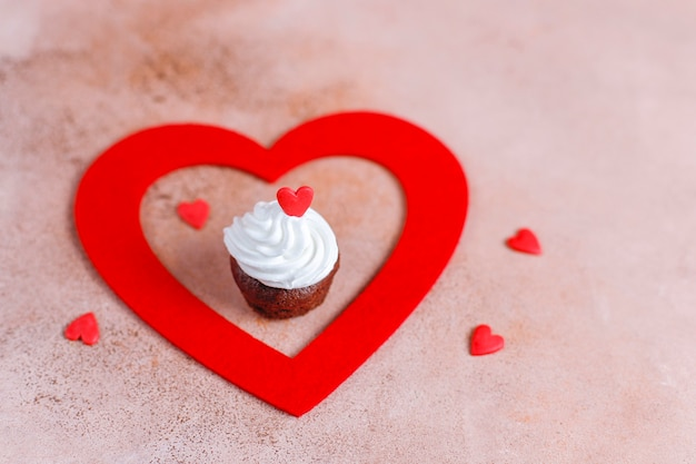 Délicieux petits gâteaux au chocolat pour la saint valentin.