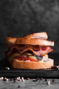 Délicieux sandwich au bacon