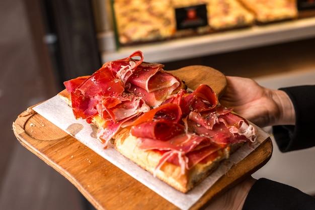 Délicieux sandwich au jambon espagnol.