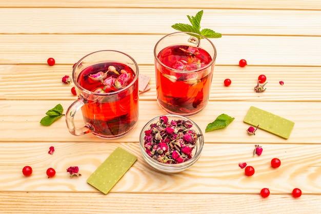 Délicieux thé à la rose verte
