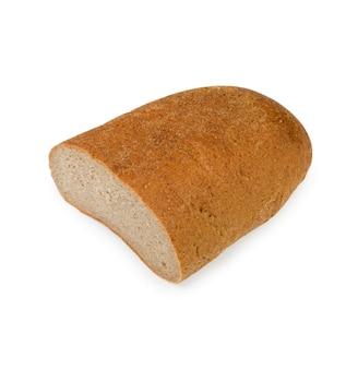 Demi-miche de pain de seigle isolé sur fond blanc