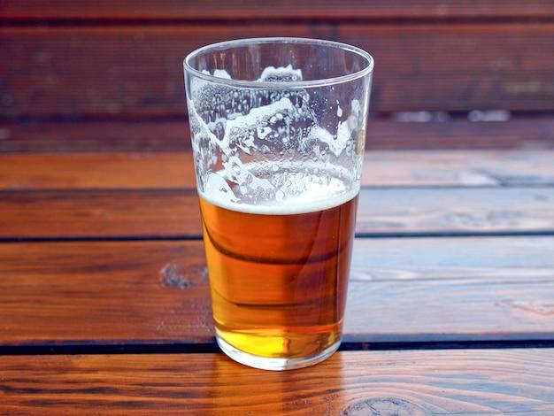 Une demi-pinte de bière