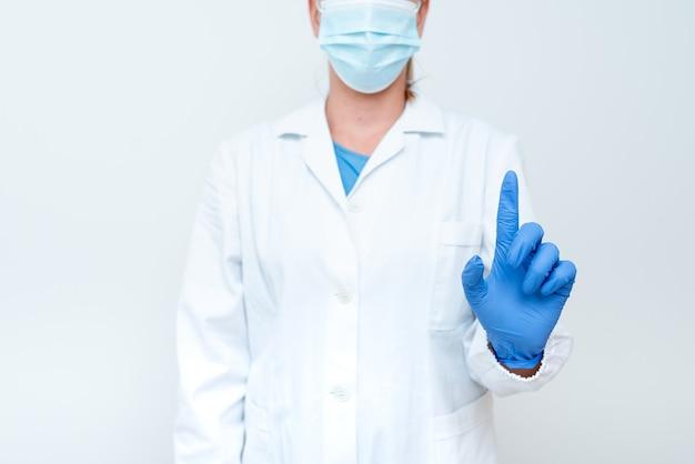 Démonstration d'idées médicales présentant de nouvelles présentations de laboratoire de découverte scientifique science dis...