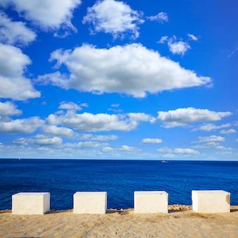 Denia las rotas beach en espagne méditerranéenne