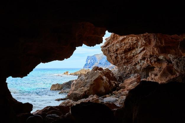 Denia las rotas grottes de la plage d'alicante