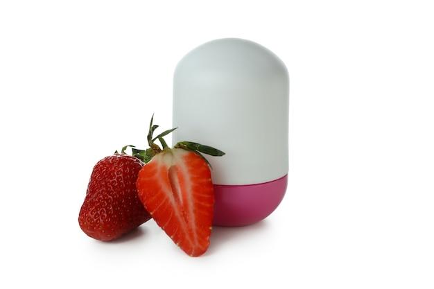 Déodorant fraise vierge isolé sur fond blanc