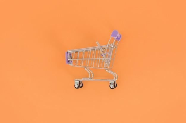 Dépendance au shopping, amateur de shopping ou concept accro du shopping.