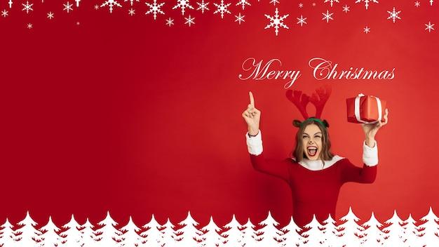 Dépliant de voeux pour l'annonce. concept de noël, nouvel an, humeur hivernale, vacances. copyspace, carte postale.