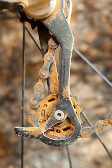Dérailleur de vélo de montagne sale