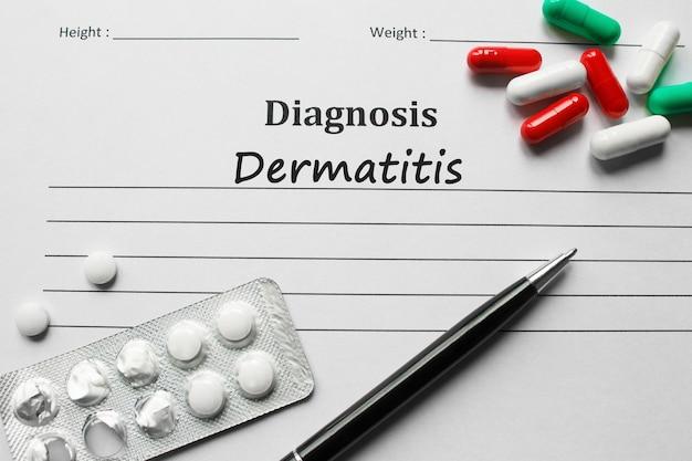 Dermatite sur la liste de diagnostic, concept médical