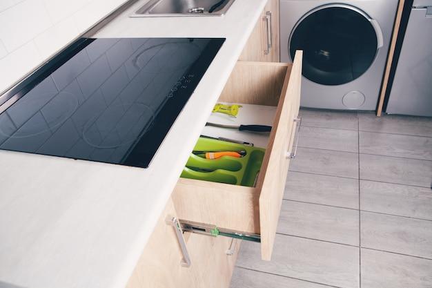 Design beau et confortable dans la cuisine