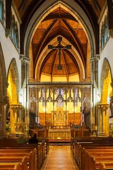 Design d'intérieur de la cathédrale d'inverness en écosse