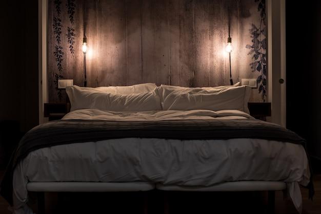 Design d'intérieur de chambre moderne de nuit