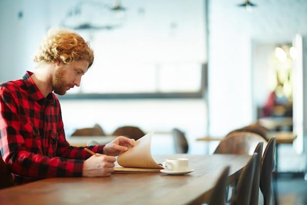 Designer au café