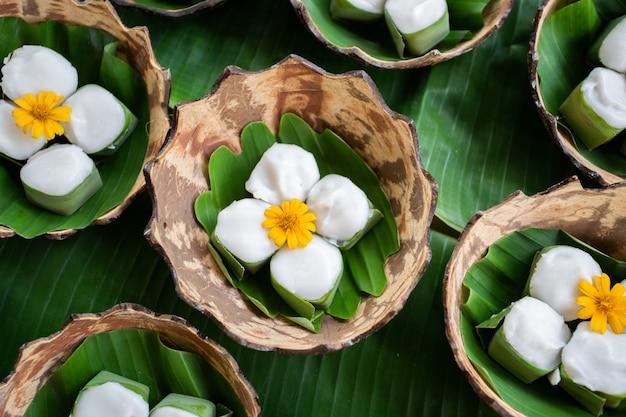 Dessert blanc thaï à la noix de coco