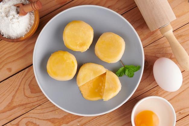 Dessert chinois traditionnel, dessert sucré à la chinoise, dessert asiatique.