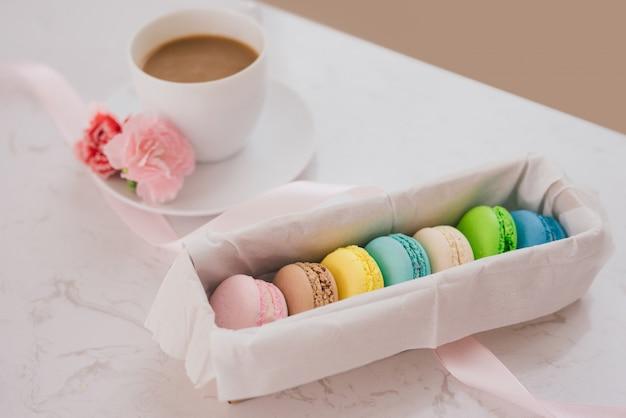 Dessert français à servir avec thé de l'après-midi ou pause café.