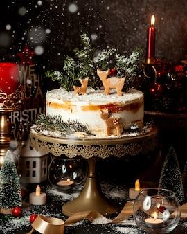 Dessert et jouets du nouvel an