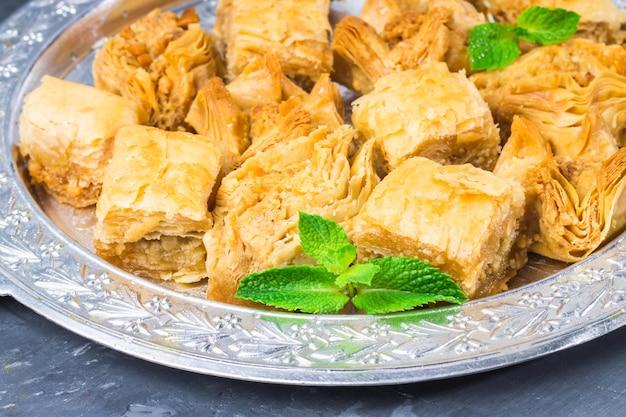 Dessert national traditionnel juif, turc et arabe.