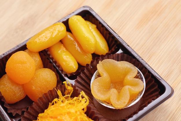 Dessert thaïlandais doux doré