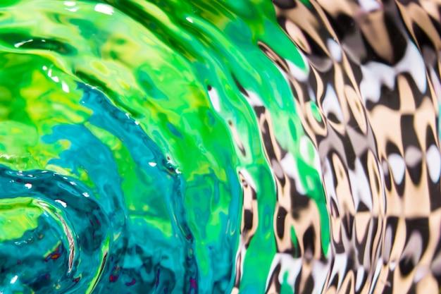 Dessin abstrait et vagues de l'eau à plat