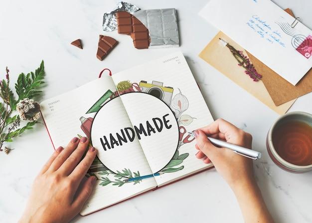 Dessin de compétences de bricolage à la main