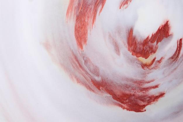 Dessin texturé aquarelle marron mélangé avec un fond en mousse blanche
