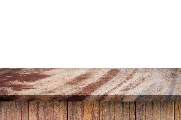 Dessus de table en bois brun vide sur fond blanc. montage de votre produit