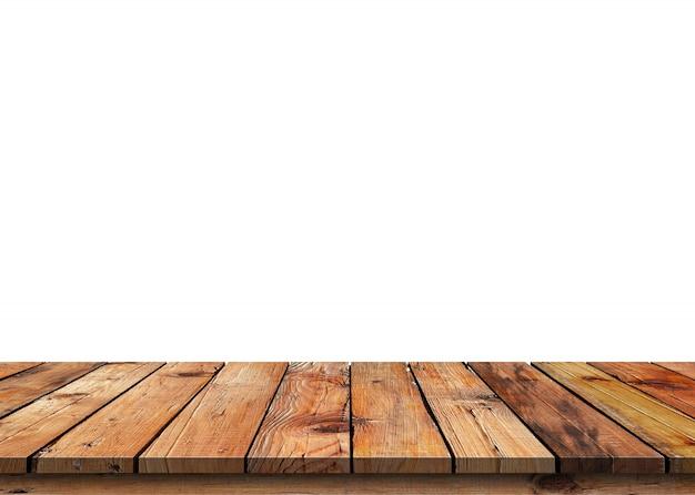 Dessus de table en bois vide marron isolé sur fond blanc.