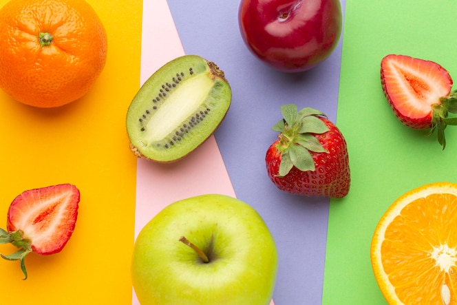 Dessus de vue arrangement de fruits frais