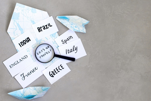 Destination de voyage, sélection du pays de voyage, où aller en vacances, loupe