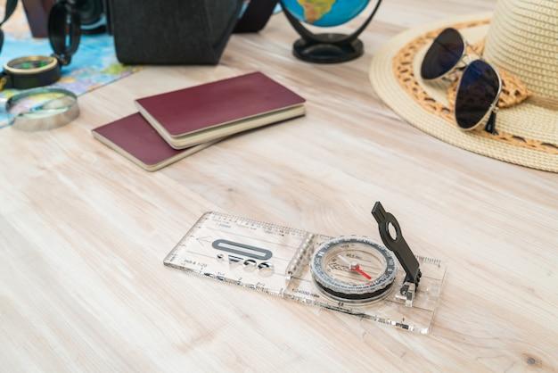 Destinations de guidage sunglass carte en bois