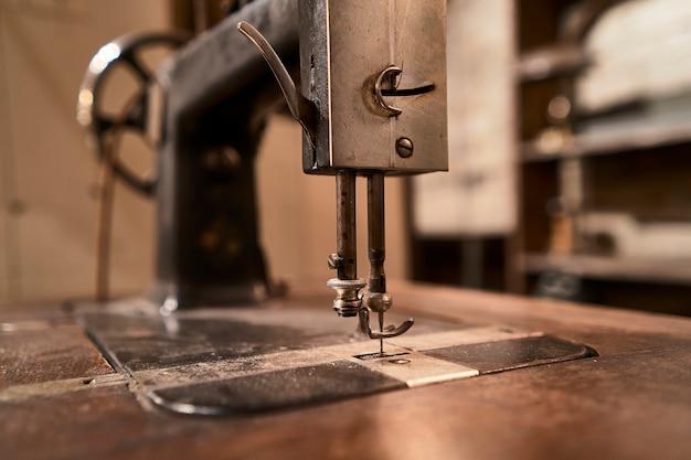 Détail de l'ancienne machine à coudre