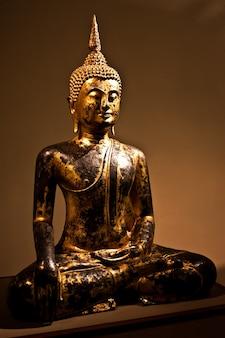 Détail d'un bodhisattva assis, 2e siècle après jc - recadrage composé pour être utilisé comme icône