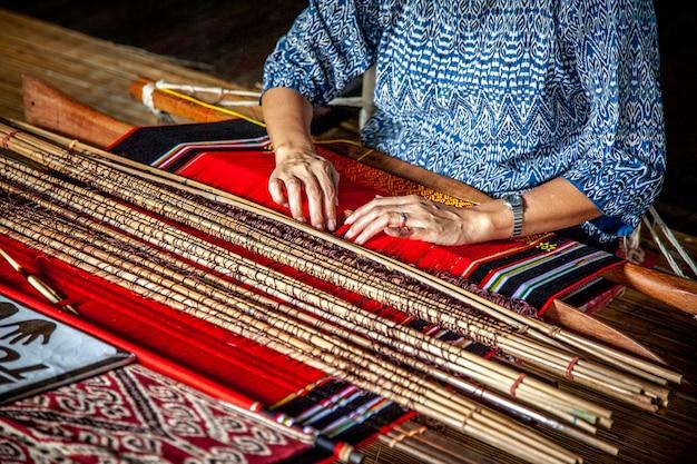 Détail du métier à tisser asiatique